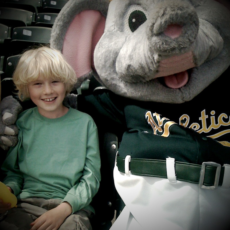 Finn, the fan and Stomper