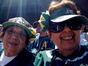 Lady A's fans and their crocheted flowers
